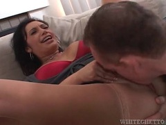 Licking the cunt of a milf that blows him videos