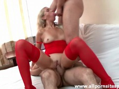 High heels slut in red lingerie does threesome movies at kilotop.com