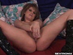 Big titty brunette gives a world class titjob videos