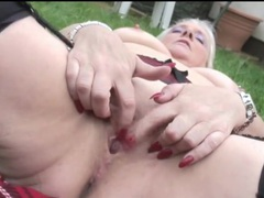 Mature model carol fingers old pussy outdoors videos