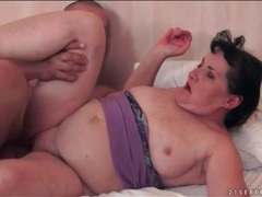 Chubby mature fucked in her pussy videos