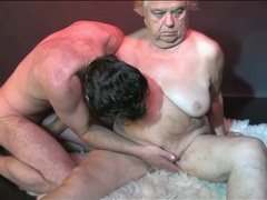 Cock and strapon fill granny pussy in threesome movies at reflexxx.net