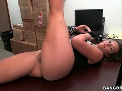 Flexible kelsi monroe does splits and fucks videos