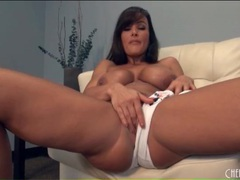 Solo lisa ann looks sexy in skimpy bikini videos