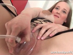 Kinky suction device makes her pussy lips puffy videos