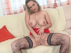 Curvy milf in sexy patterned stockings masturbates videos