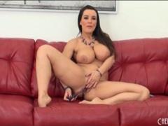 Curvy lisa ann masturbates her milf pussy videos