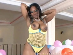Voluptuous black girl cherokee dass with balloons movies