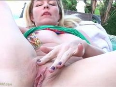 Outdoor masturbation with a milf in close up movies at kilotop.com