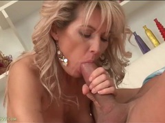 Mom mouth sucks lustily on rock hard cock videos