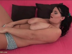 Curvy mature in boyshort panties masturbates movies at lingerie-mania.com