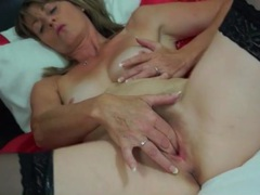 Horny mommy in stockings fingers her twat movies at kilopills.com