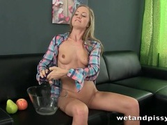 Cute girl pours her piss on her head movies at sgirls.net