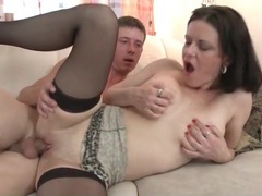 Fucking mature pussy and cumming on her videos