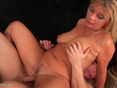 Mature with sultry curves fucked in her box movies at sgirls.net