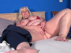 Cute blonde bbw plays with a dildo videos