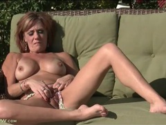 Big boobs mom masturbates outdoors in the sun videos