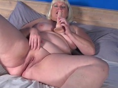 Naked bbw fucks her cunt with a toy videos