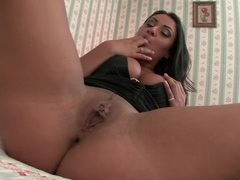 Curvy solo charley chase fingers her cunt movies at find-best-lingerie.com