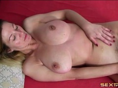 Big breasts blonde amateur masturbates her cunt videos