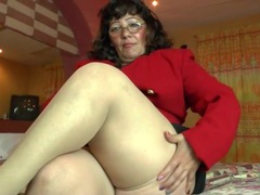 Fat mature in tan stockings masturbates videos