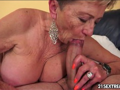 Making out with granny slut and fucking her videos