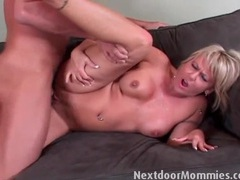 Snatch and ass of horny mom fucked clip