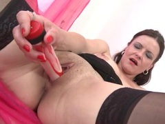 Solo mature with d cups toys her pussy videos