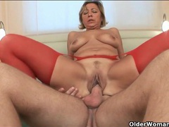 Horny cougar in red stockings gets fucked clip