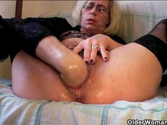 Fisting and pissing porn with blonde mature videos