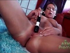 Vibrator makes masturbating brunette moan videos