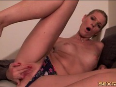 Blonde panty girl rubs her throbbing clit videos