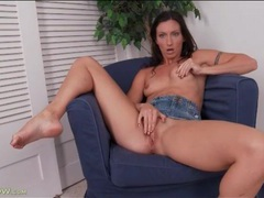 Sporty brunette mom rubs her clit and moans movies at sgirls.net