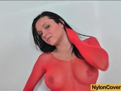 Babe wears red pantyhose for clothes videos