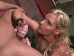 Leather babe phoenix marie blows a biker tubes