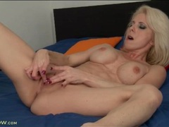 Bleach blonde mature with wicked fit body fingers videos