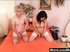Old ladies lick snatch in lesbian 69 videos