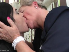 Granny seduces a young lady with sexy kisses movies at kilotop.com