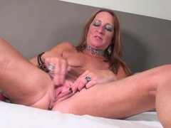 Freckled mature redhead hottie fingers her cunt videos