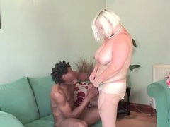 Mature bbw gives good head to a black guy videos