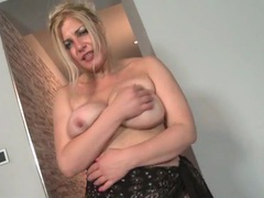 Mature blonde finger bangs her vagina videos