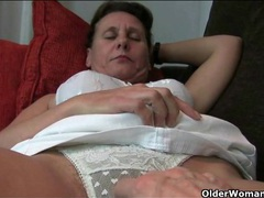 Camera guy fondles the hairy mature model videos