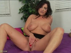 Vivacious mom with great tits loves to masturbate movies at freekilomovies.com