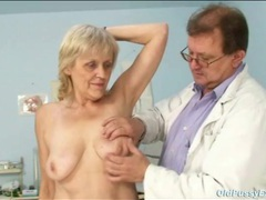 Doctor fingers and toys the pussy of a granny movies at sgirls.net