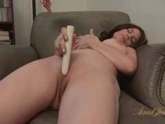 Shaved milf pussy pleasured by a vibrating toy movies at sgirls.net