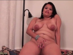 Latina bbw with a big ass she wants to show off videos