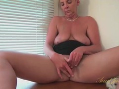 Short hair blonde mature fingers her shaved pussy videos