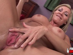 Milf pussy worn out by a big black dildo videos