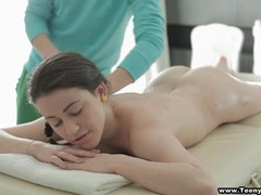 Masseur oils her up and rubs her down movies at lingerie-mania.com