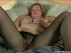 Old lady legs look sexy in sheer black pantyhose movies